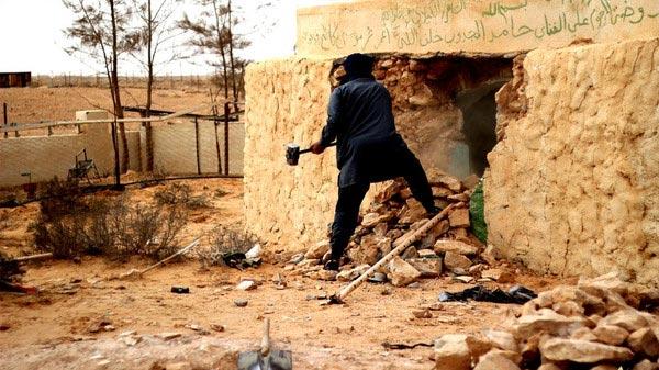 Pripadnici-ID-a-sufijski-hramove-u-Libiji